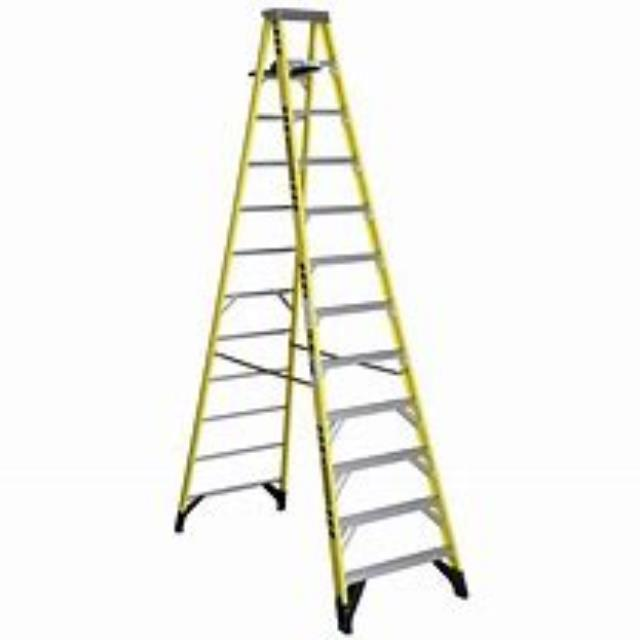 Where to find 16  STEP LADDER in Eureka