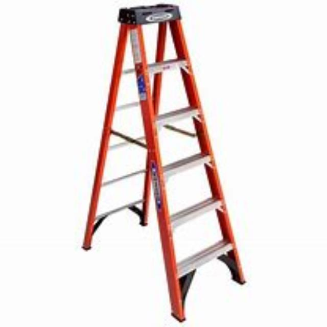 Where to find 8  STEP LADDER in Eureka
